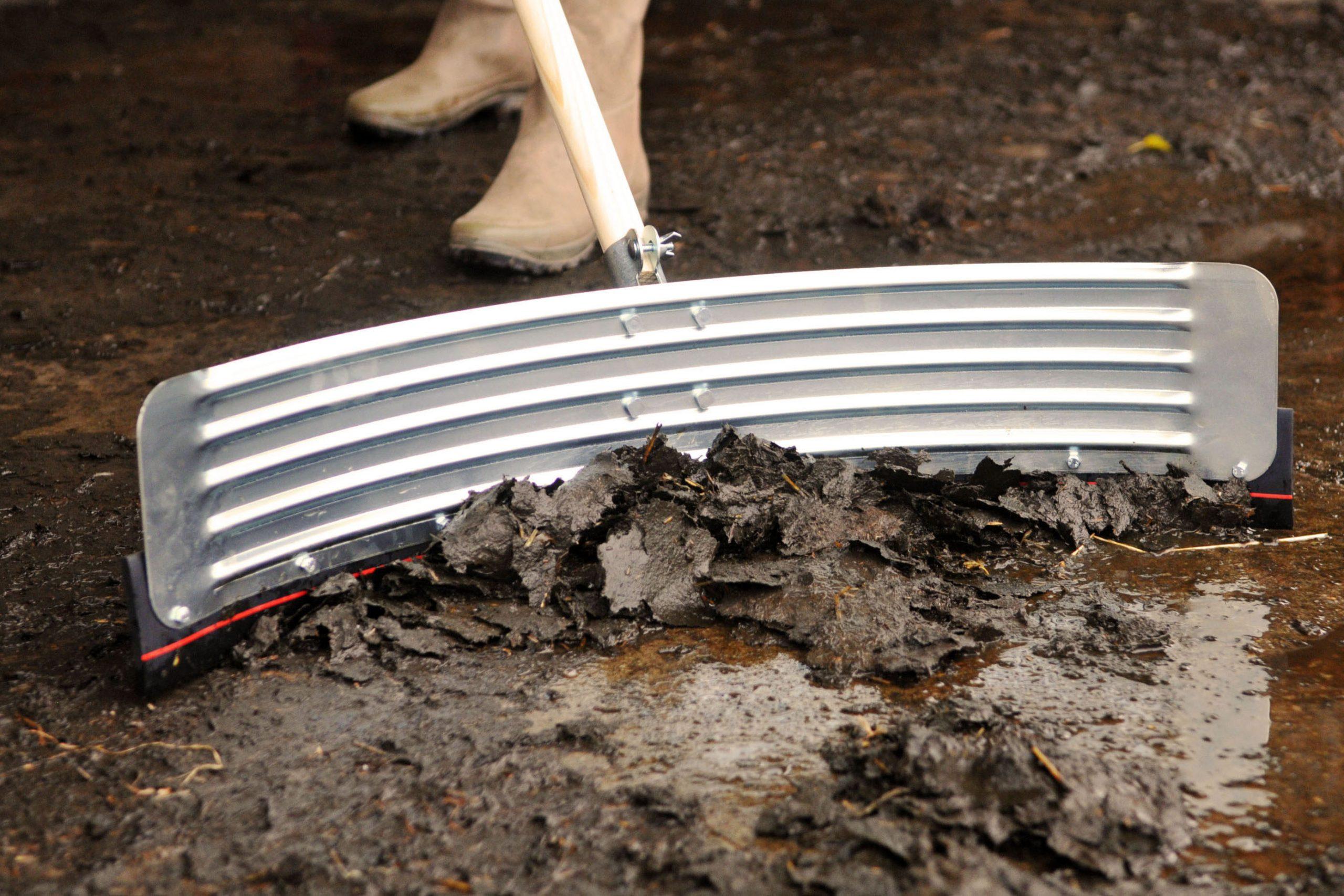 curved-squeegee-yard-scraper-farming